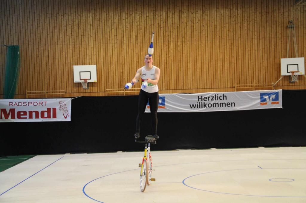 Die Weltmeisterin jongliert